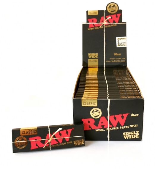 RAW BLACK Classic Single Wide Rolling Papers - 50's